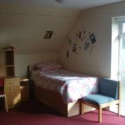 typical_bedroom_-_ardingly.jpg