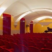 accademia_new_salone_dallingresso.jpg