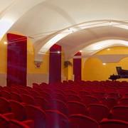 accademia_new_salone_dallingresso.jpg