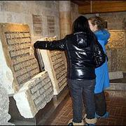 ren_49be3faedf0e5in-museum.jpg